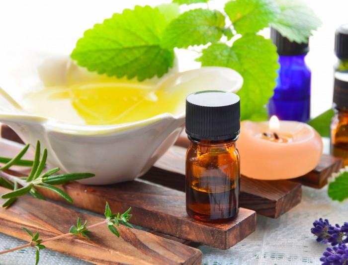 les-huiles-essentielles-contre-les-vomissements-ca-marche