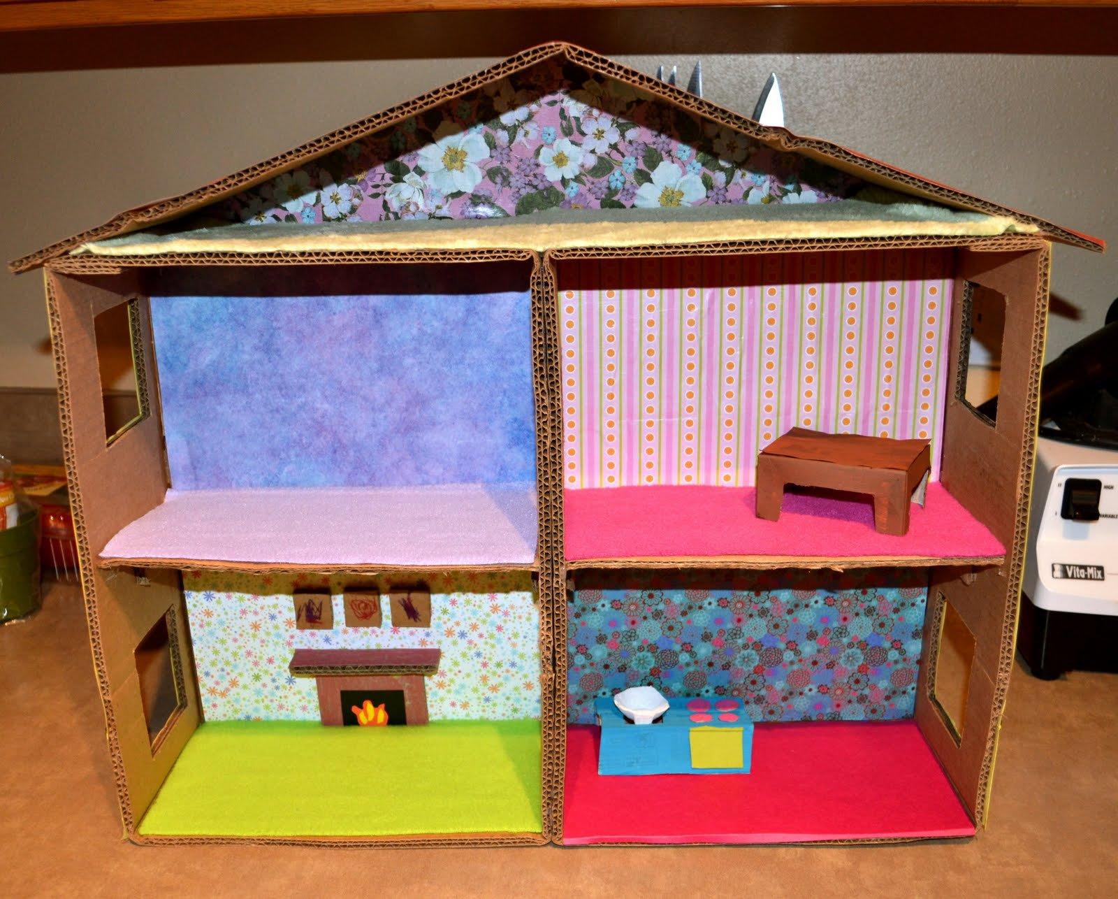 Как сделать дом для кукол из картона своими руками видео