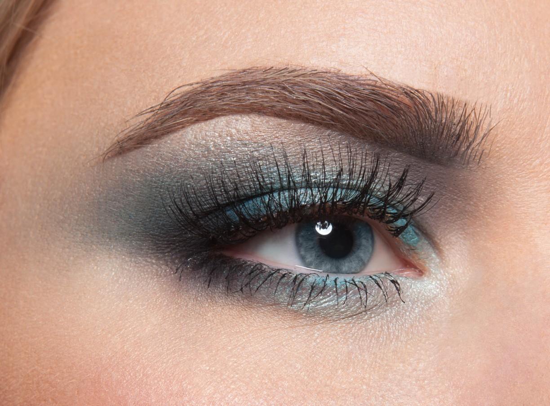 Повседневный макияж на голубые глаза