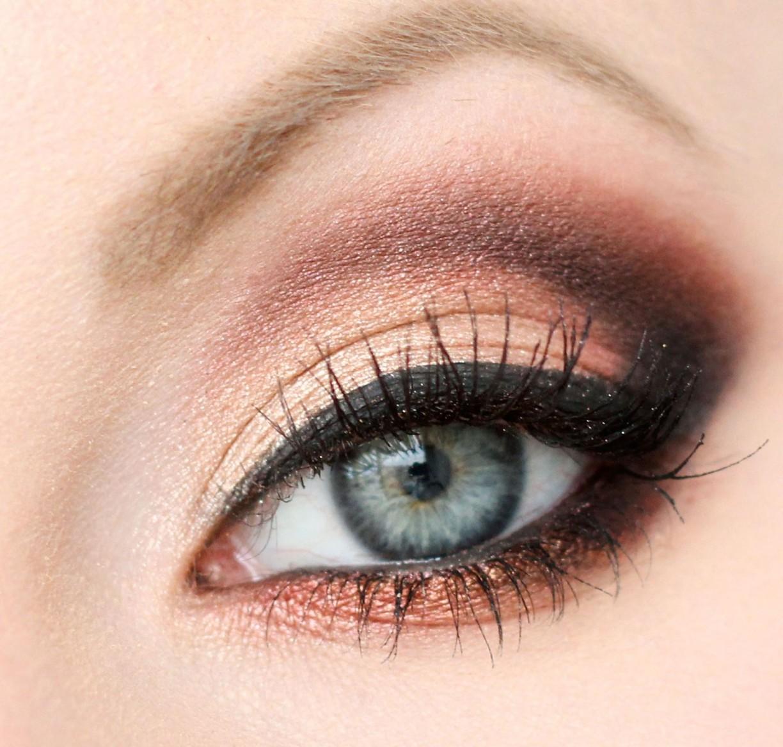 Фото макияжа для серо голубых глаз и русых волос