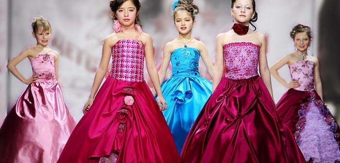 Модные в 2017 году платья для подростков