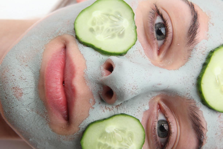 Как правильно сделать огуречную маску для лица7