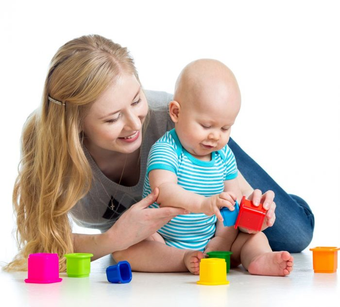 baby-and-mom-playing-with-toys
