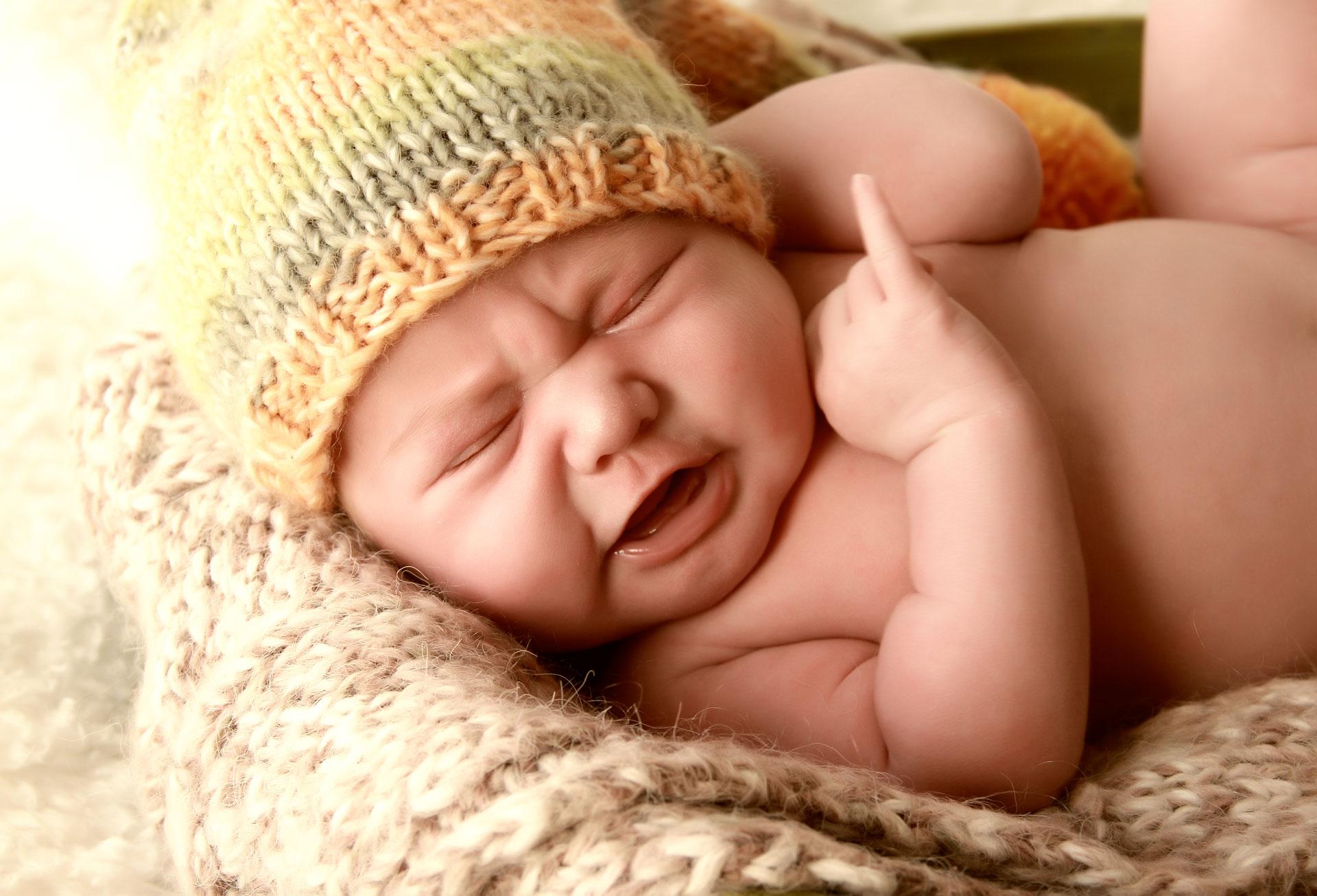 Почему новорожденный кричит во сне