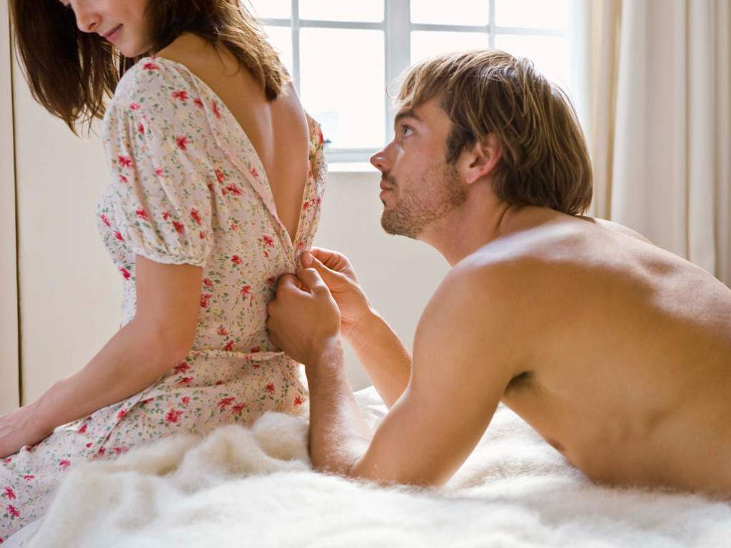 Секс девушка стесняется