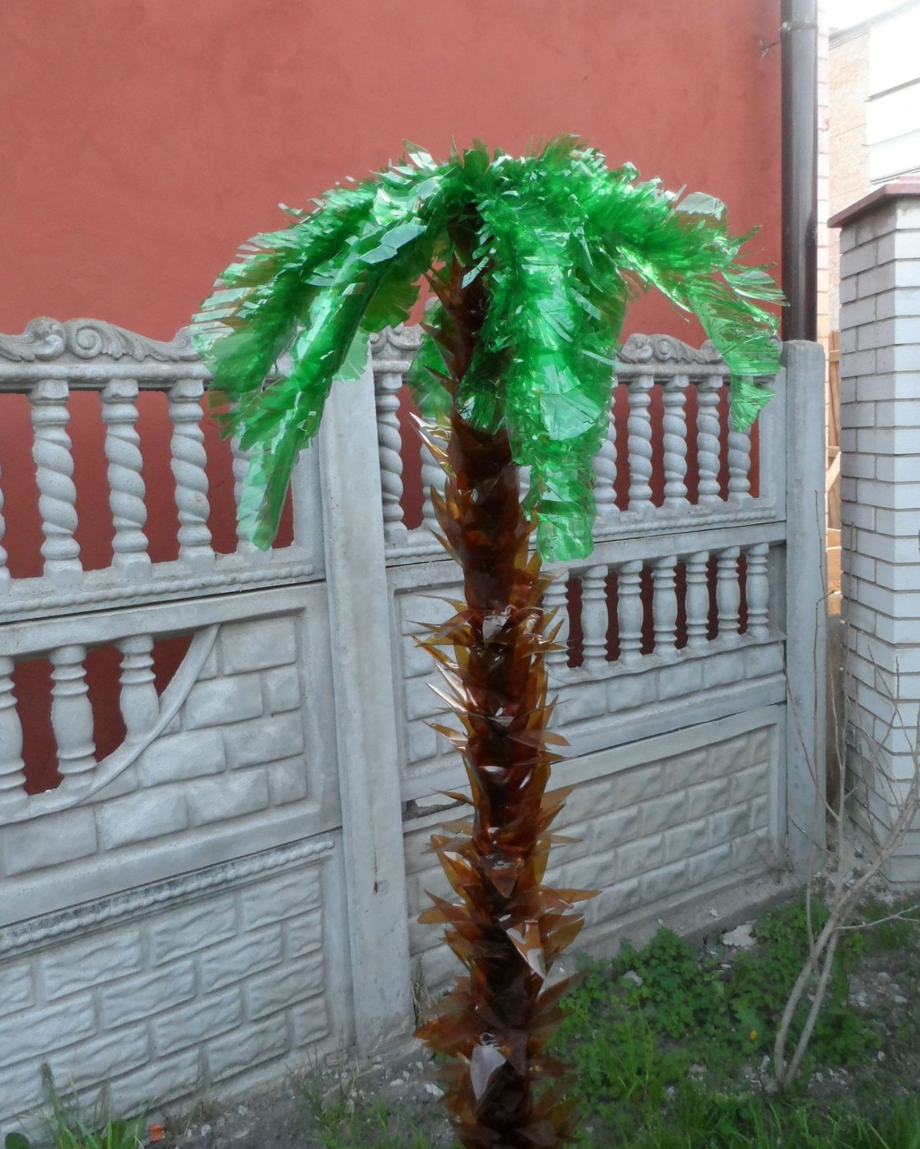 Поделка пальма из пластиковых бутылок