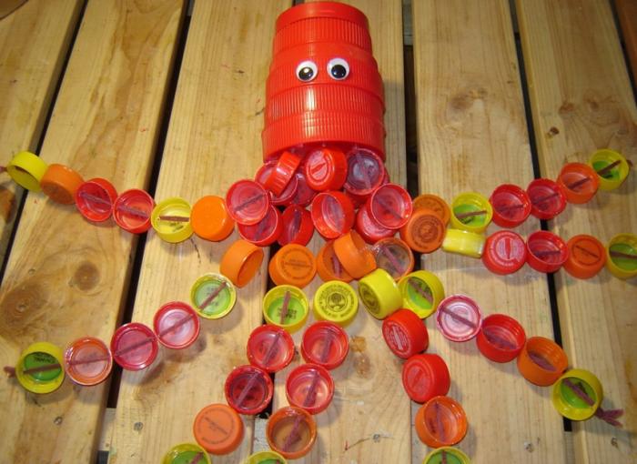 Что можно сделать из бутылок своими руками для детей