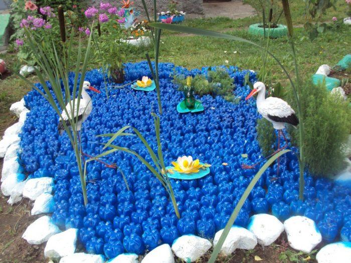 Поделки из пластиковых для сада и огорода и описание