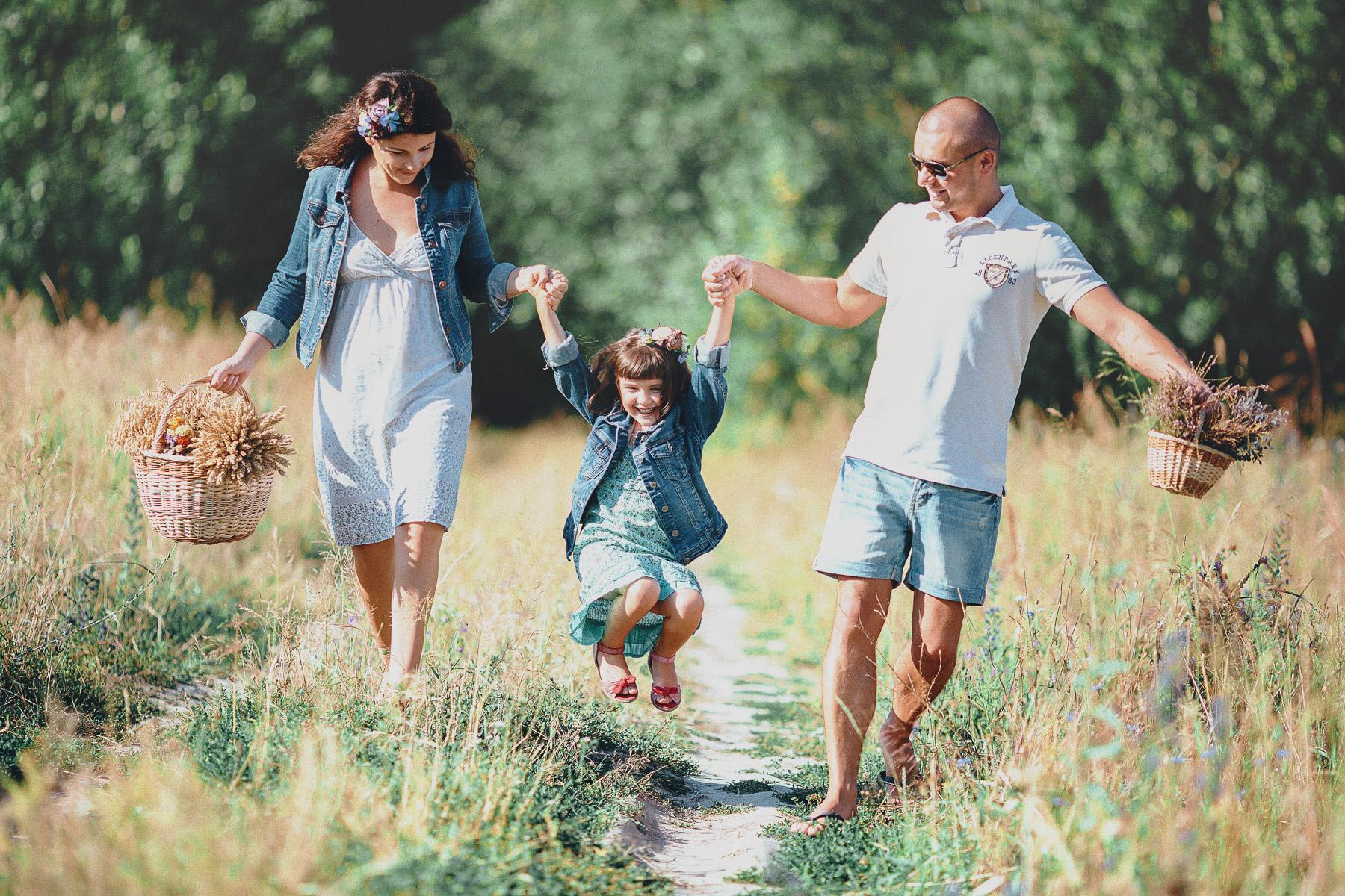 Семейное фото на природе фото 291-479