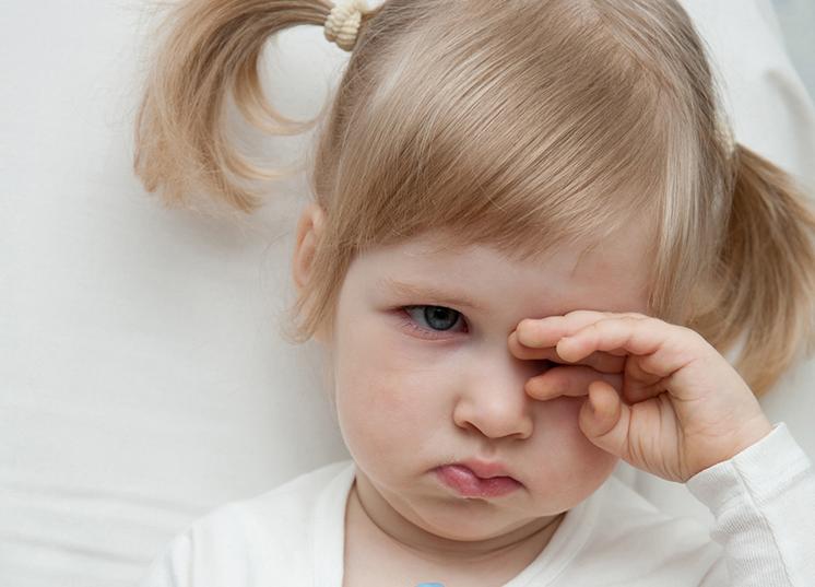 малыш часто трет глазки пары фото принимаются