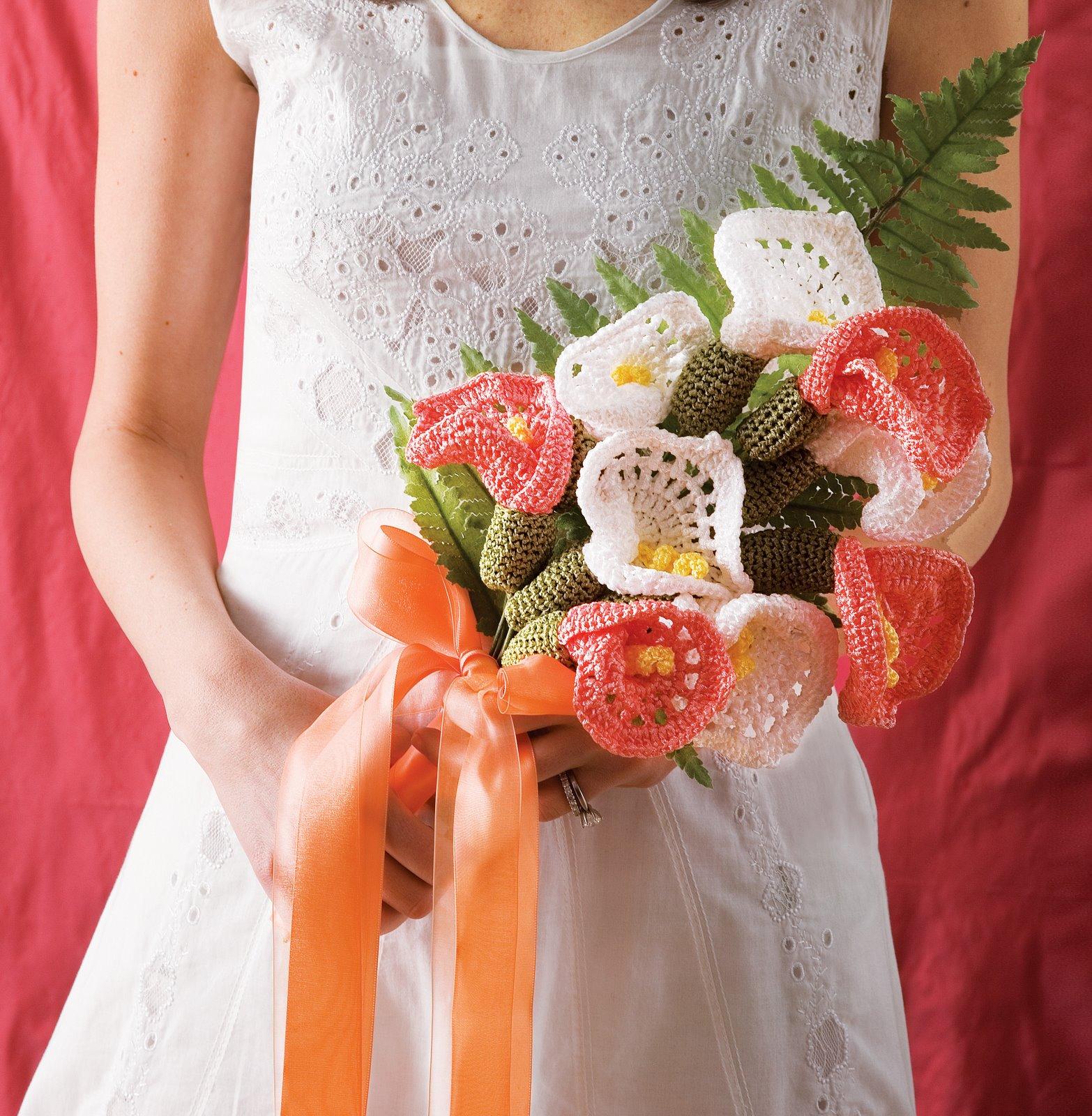 Букет из вязаных цветов своими руками