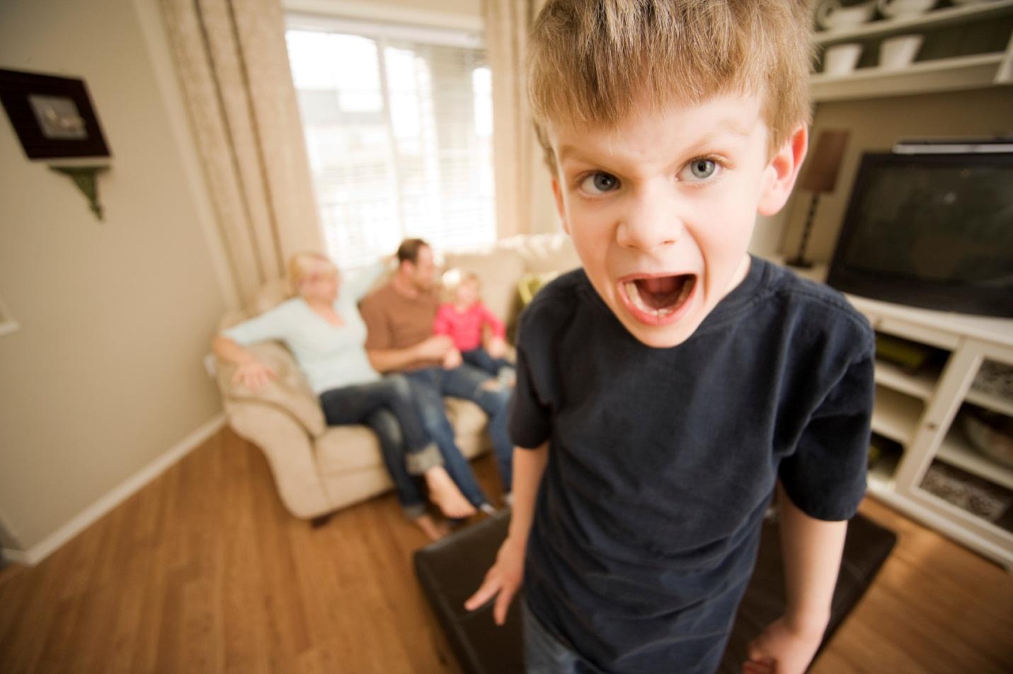 Неуправляемый агрессивный ребёнок