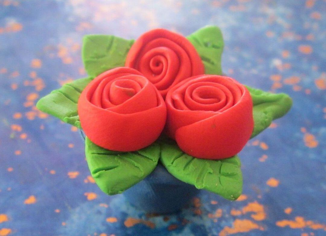 Как сделать маме цветок из пластилина