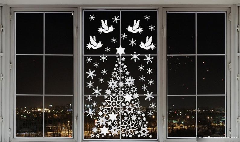 Как украсить окно к новому 2018