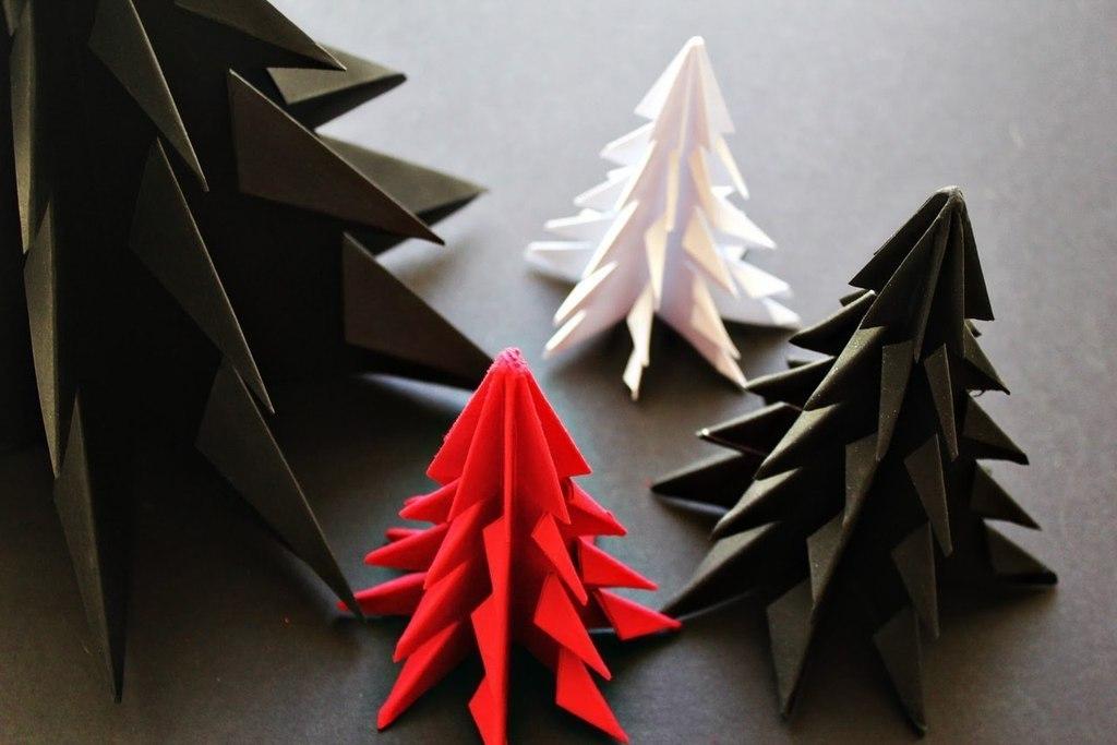 Как сделать из бумаги ёлку на новый год своими руками поэтапно