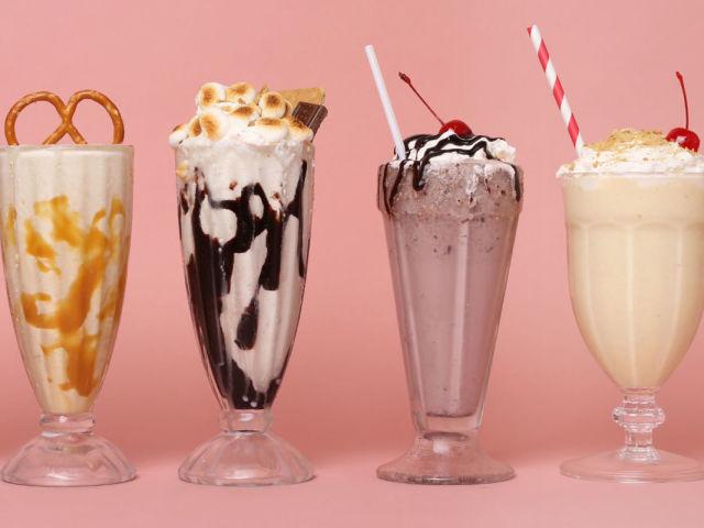 коктейль в домашних условиях из молока и мороженого