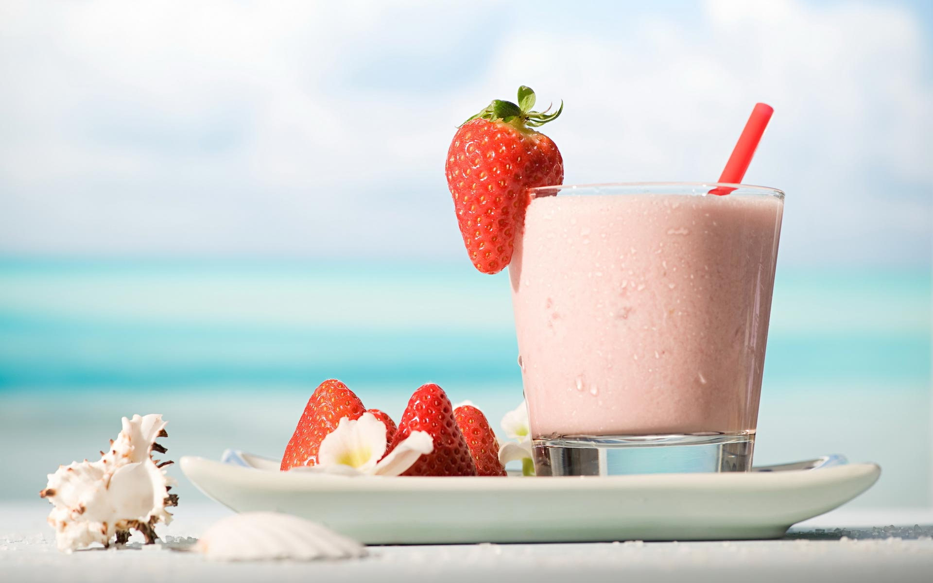 strawberry-yogurt-hd-widescreen-hd-free-wallpaper