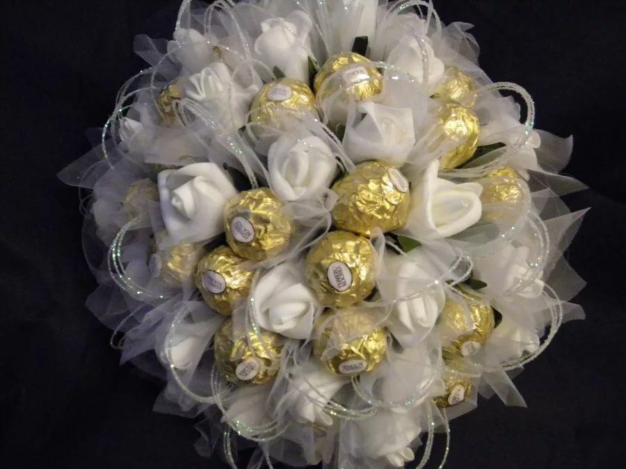 Конфетный свадебный букет
