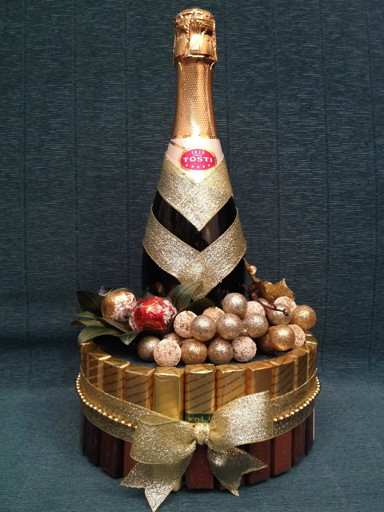Торт на новый год с конфетами