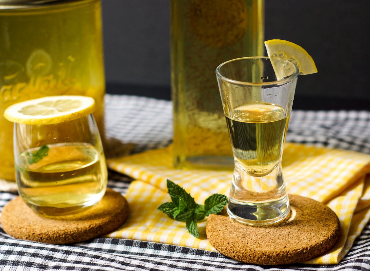 Лимончелло на самогоне в домашних условиях лучший рецепт с фото пошагово