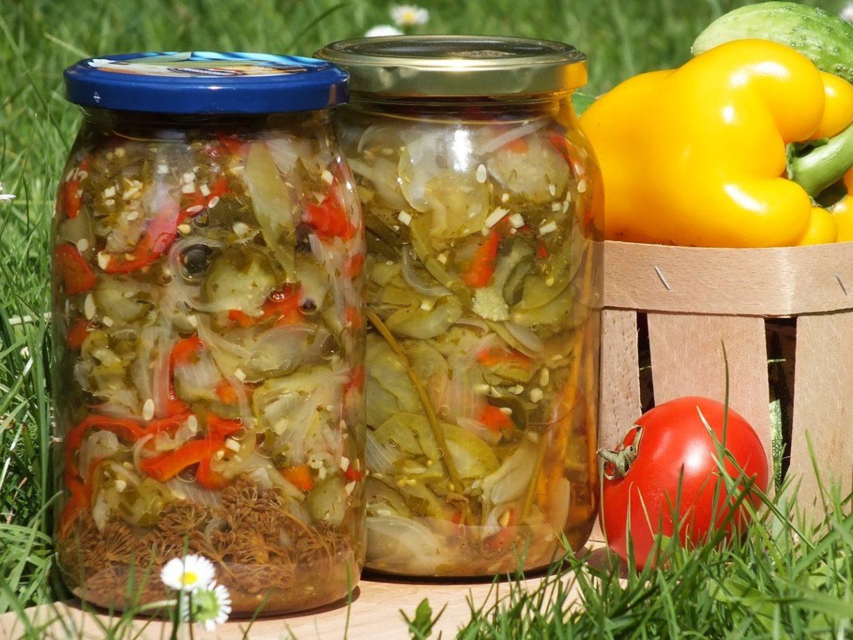 Салат из зеленых помидор на зиму: 7 рецептов в домашних 77