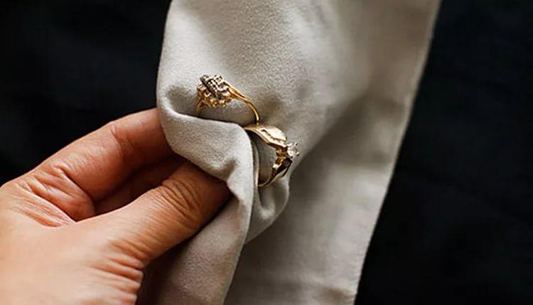 Чем почистить золото с бриллиантом в домашних условиях 256