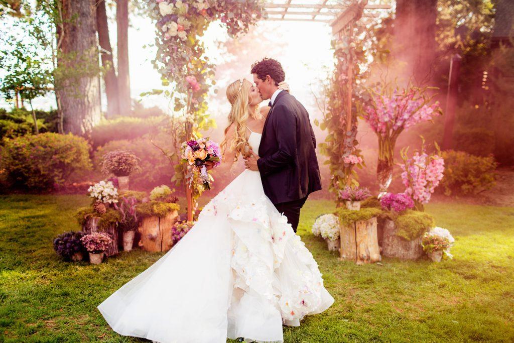 Примета если на свадьбе порвалось платье
