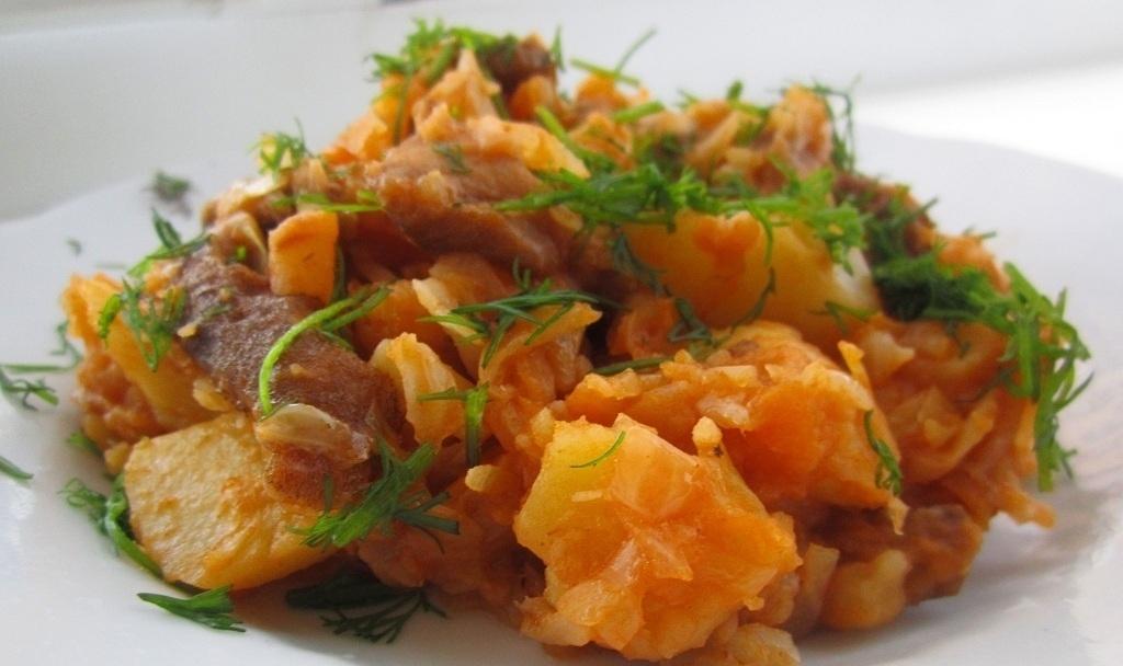 Тушеная капуста с картошкой и мясом рецепт с фото пошагово