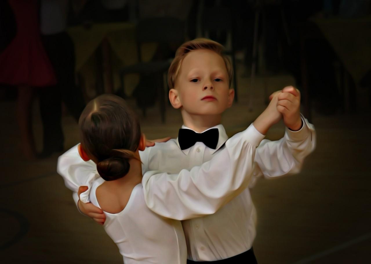 Танцы для детей: влияние танцев на формирование детской психики и фигуры
